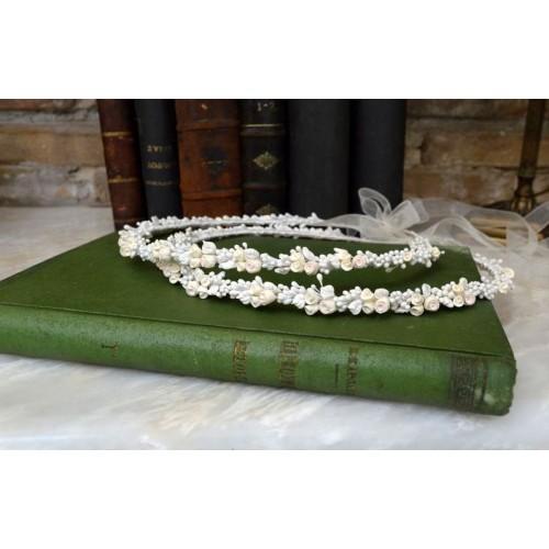 Στέφανα γάμου με πορσελάνινα λουλούδια